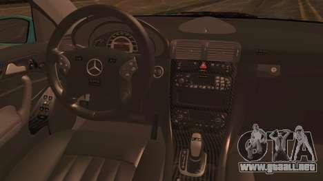 Mercedes-Benz C320 AMG para GTA San Andreas vista posterior izquierda
