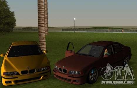 BMW M5 E39 para GTA Vice City left