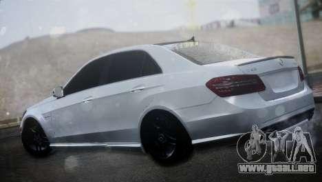 Mercedes-Benz E63 para GTA San Andreas left