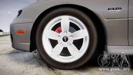 Pontiac GTO 2006 17in wheels para GTA 4 vista hacia atrás