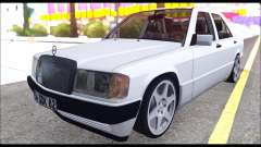 Mercedes Bad-Benz 190E (34 DDK 82)