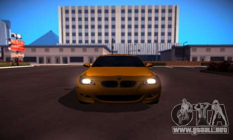 BMW M5 Gold para GTA San Andreas left