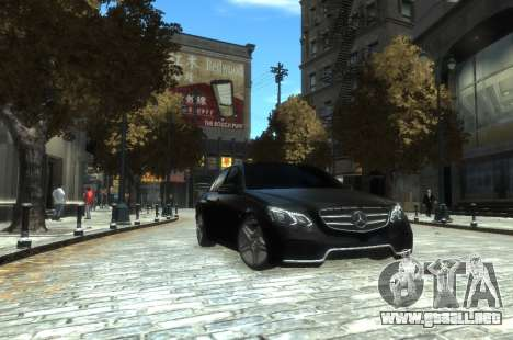 Mercedes-Benz E63 W212 AMG para GTA 4 left