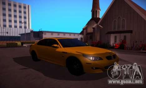 BMW M5 Gold para GTA San Andreas vista hacia atrás