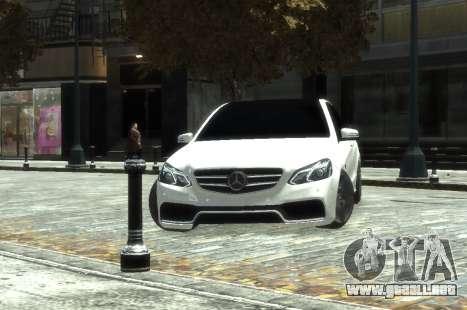 Mercedes-Benz E63 W212 AMG para GTA 4 visión correcta