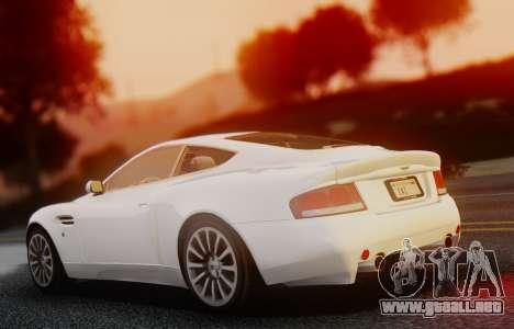 Aston Martin V12 Vanquish 2001 v1.01 para GTA San Andreas vista posterior izquierda