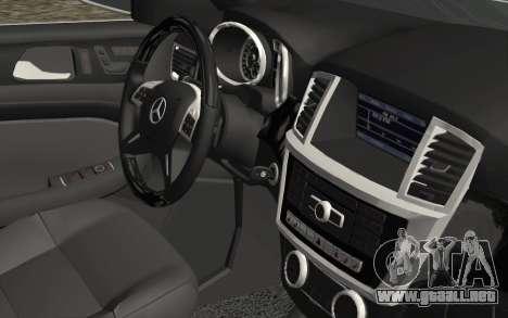 Mercedes-Benz GL63 AMG 2014 para la visión correcta GTA San Andreas