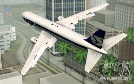 Boeing 767-300 PLL LOT para GTA San Andreas left