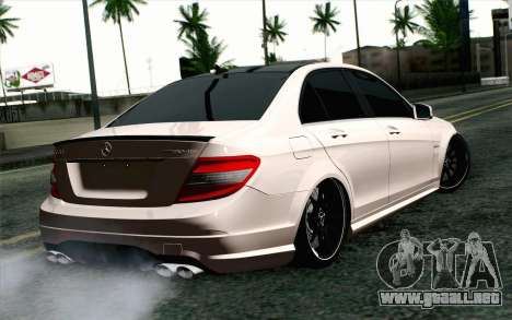 Mercedes-Benz C63 AMG para GTA San Andreas left