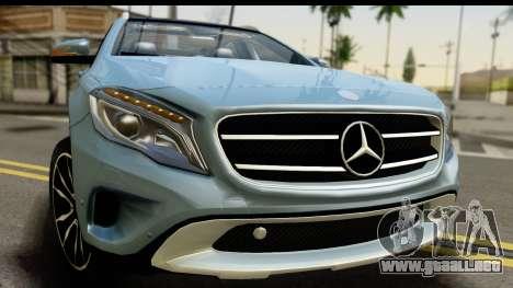 Mercedes-Benz GLA220 2014 para GTA San Andreas vista posterior izquierda