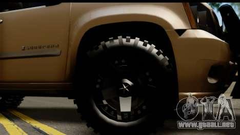 Chevrolet Suburban 4x4 para GTA San Andreas vista hacia atrás