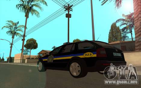 Skoda Octavia Scout de la polica de ucrania v2 para GTA San Andreas left