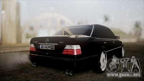 Mercedes-Benz W124 E500 para GTA San Andreas left