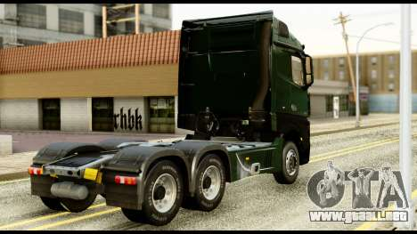 Mercedes-Benz Actros MP4 6x4 Standart Interior para GTA San Andreas left