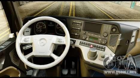 Mercedes-Benz Actros MP4 6x4 Standart Interior para la visión correcta GTA San Andreas