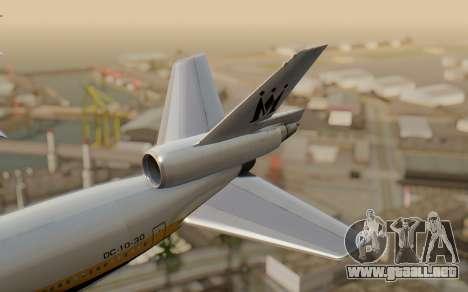 DC-10-30 Monarch Airlines para GTA San Andreas vista posterior izquierda