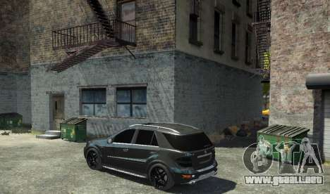 Mercedes-Benz ML63 AMG para GTA 4 left