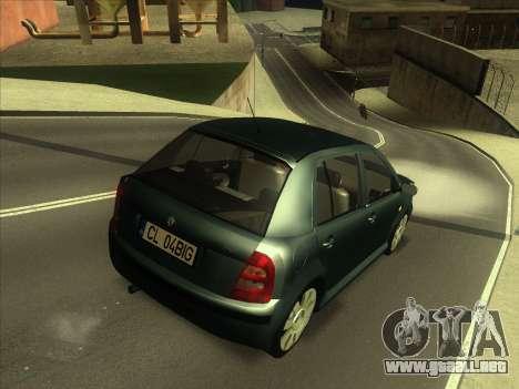 Skoda Fabia 2001 para GTA San Andreas vista posterior izquierda