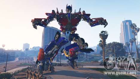 GTA 5 La Estatua De Optimus Prime segunda captura de pantalla