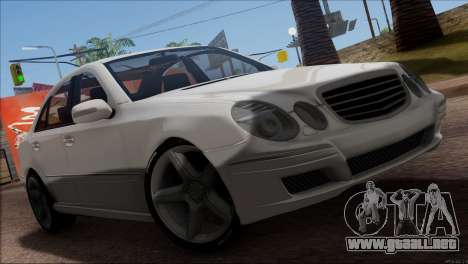 Mercedes-Benz E55 W211 AMG para vista lateral GTA San Andreas