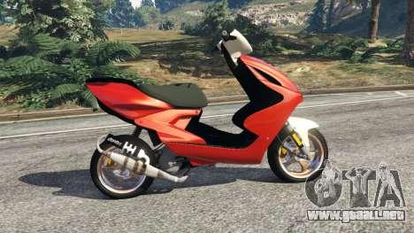 GTA 5 Yamaha Aerox vista lateral izquierda
