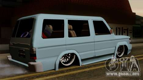 Toyota Kijang Grand Ext para GTA San Andreas left