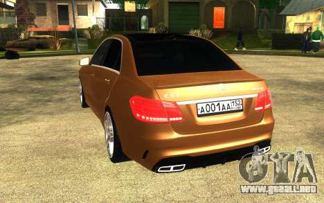 Mercedes Benz E63 AMG para GTA San Andreas left