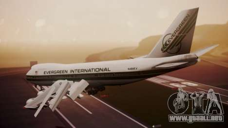 Boeing 747-200 Evergreen International Airlines para GTA San Andreas left