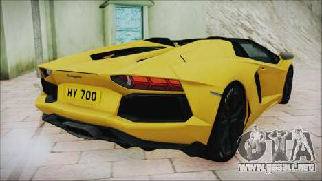 Lamborghini Aventador LP700-4 Roadster 2013 para GTA San Andreas vista posterior izquierda