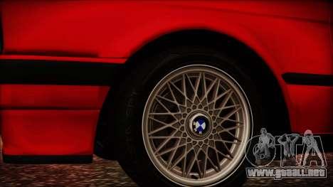 BMW M3 E30 Sedan para la visión correcta GTA San Andreas