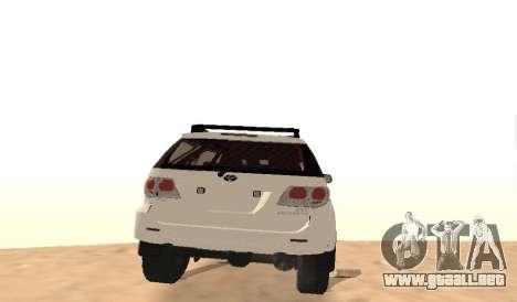 Toyota Fortuner 4WD 2015 Rustica para la visión correcta GTA San Andreas