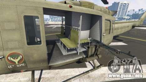 GTA 5 Bell UH-1D Iroquois Huey sexta captura de pantalla