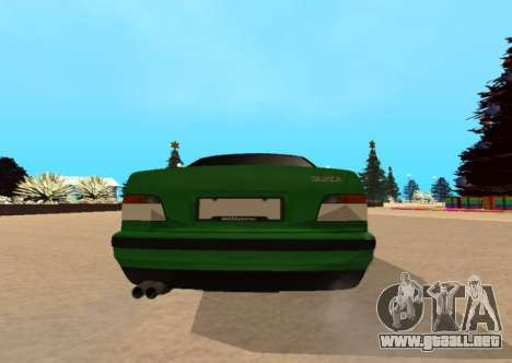 BMW E36 320i para GTA San Andreas vista posterior izquierda