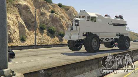 GTA 5 Monster Train delantero derecho vista lateral