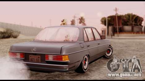 Mercedes-Benz 450SEL para GTA San Andreas left