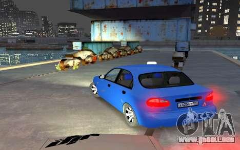 Daewoo Lanos Taxi para GTA 4 Vista posterior izquierda