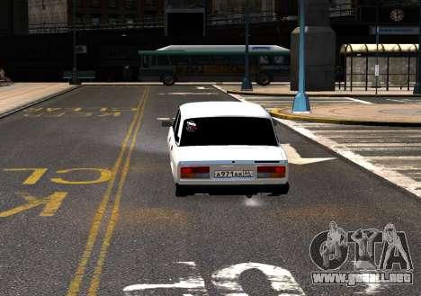 VAZ 2107 AzElow para GTA 4 vista hacia atrás