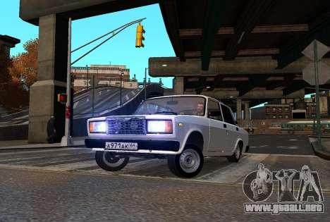 VAZ 2107 AzElow para GTA 4 vista interior