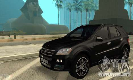 Mercedes-Benz ML 63 AMG para GTA San Andreas vista hacia atrás