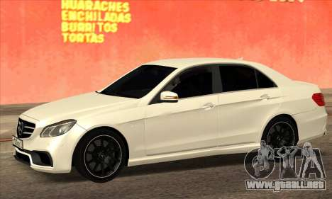 Mercedes-Benz E63 AMG 2014 para GTA San Andreas left