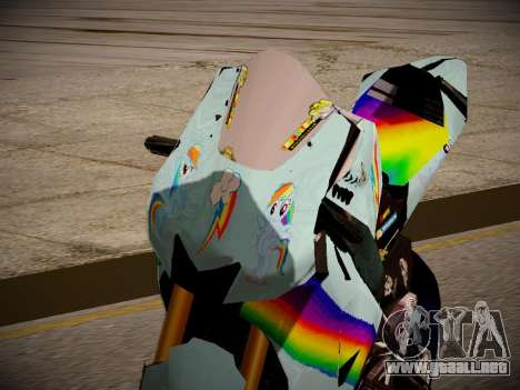 Yamaha YZR M1 2016 Rainbow Dash para GTA San Andreas vista hacia atrás