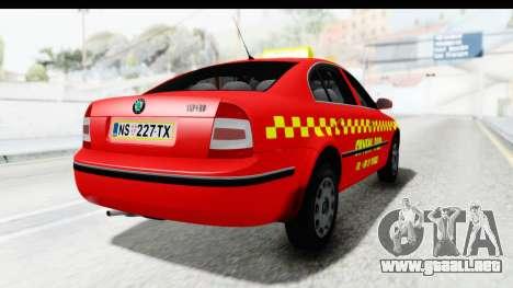 Skoda Superb Taxi De Color Rojo para GTA San Andreas left
