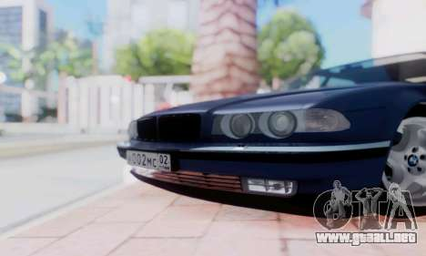 BMW 750 para GTA San Andreas vista hacia atrás
