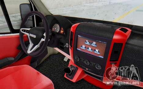 Iveco Daily Minibus 2015 para GTA San Andreas vista hacia atrás