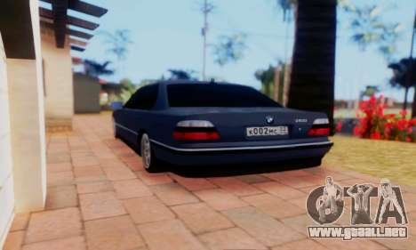 BMW 750 para GTA San Andreas left