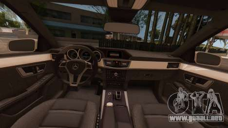 Mercedes-Benz E63 GSC para la visión correcta GTA San Andreas