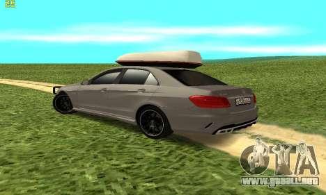 Mercedes Benz E63 AMG para la visión correcta GTA San Andreas