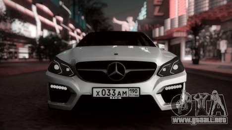 Mercedes-Benz E63 GSC para GTA San Andreas left
