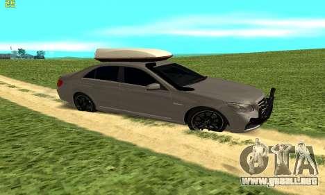 Mercedes Benz E63 AMG para GTA San Andreas left