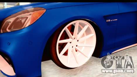 Mercedes-Benz E63 AMG para GTA San Andreas vista hacia atrás